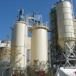 Travaux acrobatiques de nettoyage de silos