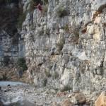 Purge et confortement de falaises dans le Verdon